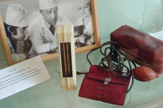 Трофейный тонометр музею передал врач-фронтовик.