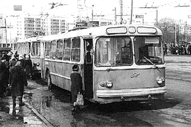 Первый уфимский троллейбус.