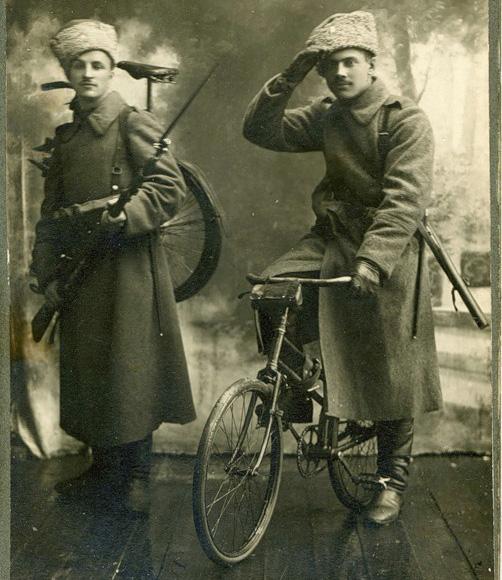 Самокатчики в шинелях и папахах, Русская Армия 1910—1916 года.