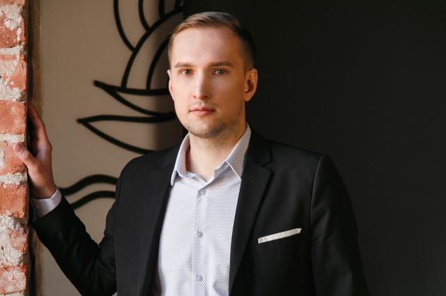 Специалист по кибербезопасности Александр Серебряков советует запомнить: банки не предлагают заработки по телефону.