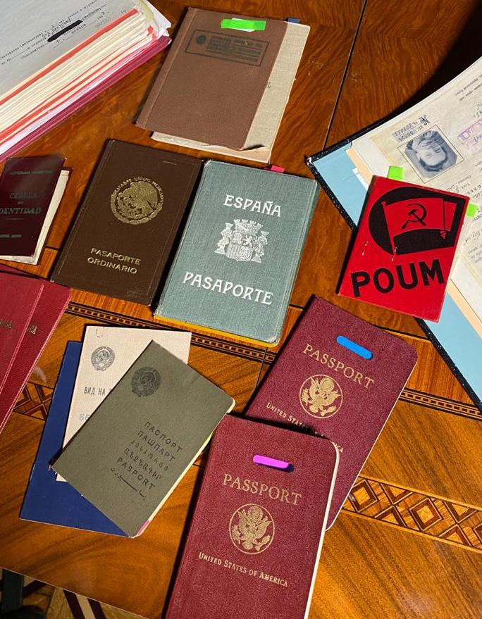 У Иосифа и Лауры Григулевич было много паспортов на разные имена.