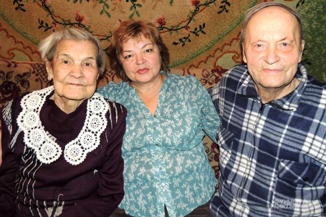 Дочь Людмила приезжает к родителям с Украины