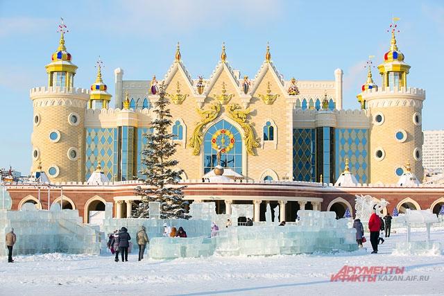 Ледовый городок в театра кукол должен открыться 29 декабря.