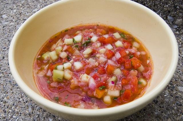 Гаспачо - одно из самых популярных блюд Испании.