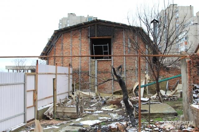 Объект признали непригодным для восстановления, но хозяева собираются в нём жить после ремонта.