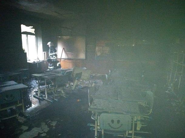 По предварительной информации, причиной пожара стал поджог, окончательно причину установит экспертиза.