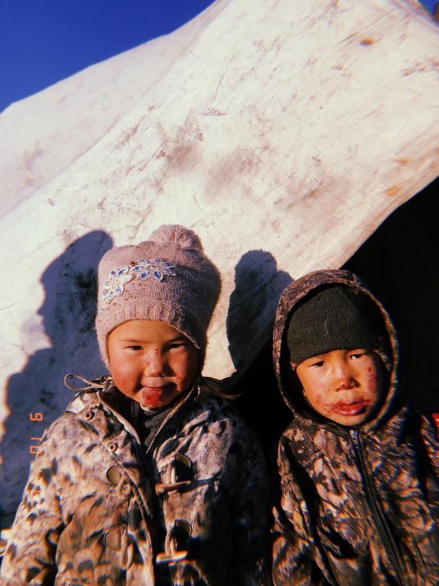 В бригаде оленеводов живут и дети.
