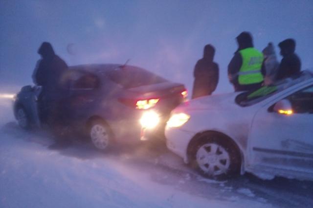 При столкновении машин никто не пострадал.