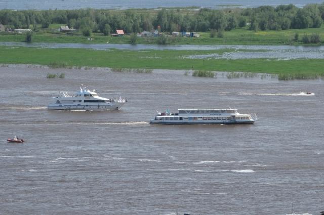 Корабли участвуют от мала до велика.