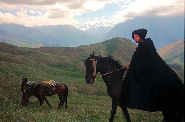 На Северном Кавказе есть и красивые места, и добрые традиции, и хорошие люди - об этом и надо говорить чаще