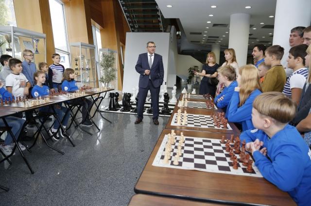 Ежегодно Югорская шахматная академия совместно с Федерацией шахмат Югры проводит в округе более 40 турниров