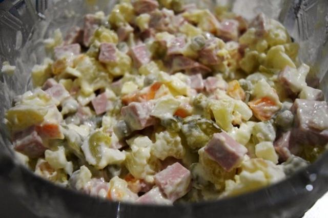 Самый популярный и простой салат, который есть на каждом новогоднем столе