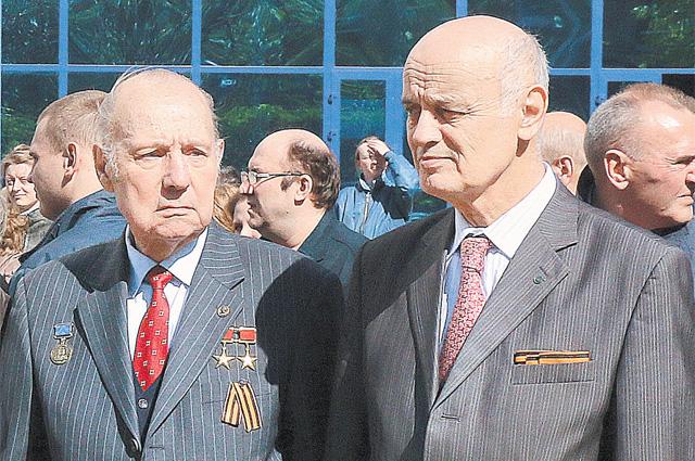 Генрих Новожилов и Николай Таликов (справа).