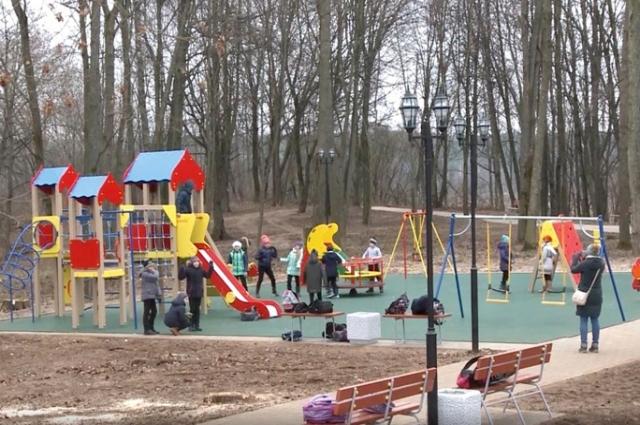Парк в Хиславичах - любимое место отдыха для детей и взрослых.