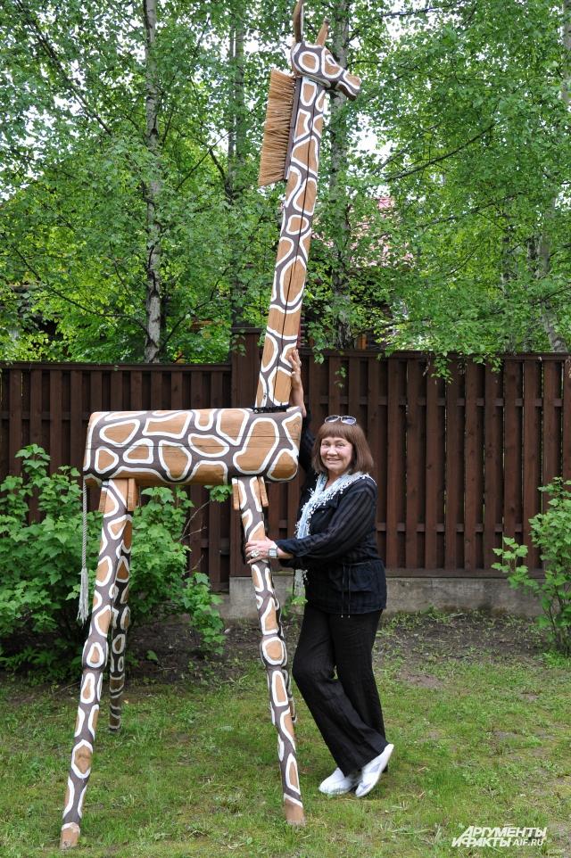 Чудо-жираф – дачная гордость актрисы.