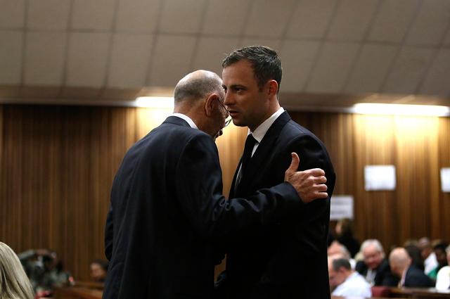Оскар Писториус со своим адвокатом