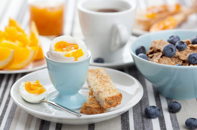 завтрак, каша, яйцо