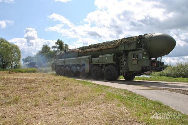 Ракетно-ядерный дивизион на марше