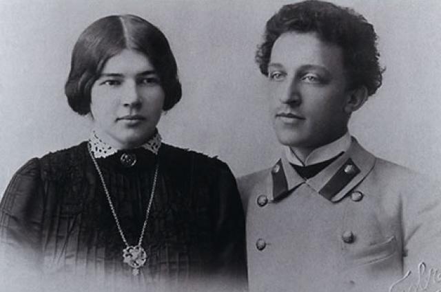 Любовь Менделеева и Александр Блок в 1903 году.