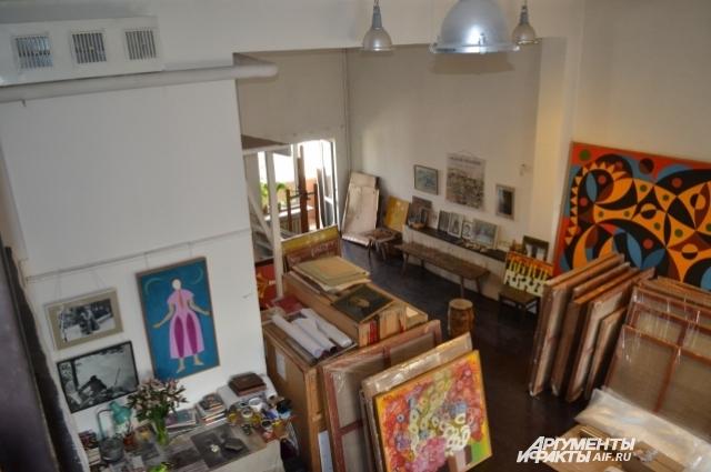 В мастерской на ул. Ленина до сих пор живет душа художника.