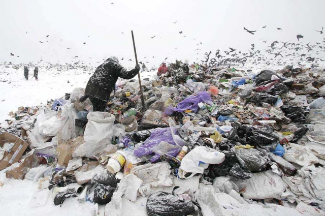 До мусорных полигонов мусор довозят не всегда.
