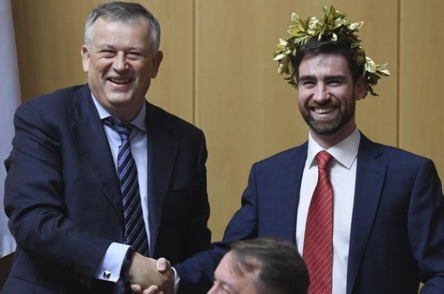 Дрозденко поблагодарил своего заместителя за победу.