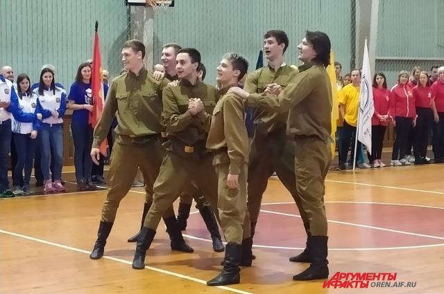 Открытие Кубка героев войны всегда праздник для студентов и преподавателей.