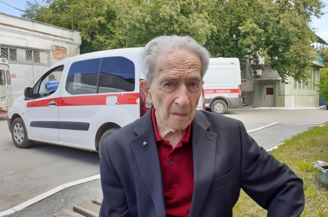 Виталий Белокриниций до сих пор несёт служение скорой помощи