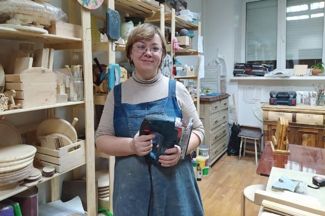 Елена Тунаева: «Мои ученицы уходят из мастерской окрылёнными, в столярке они преодолевают страх перед инструментом»