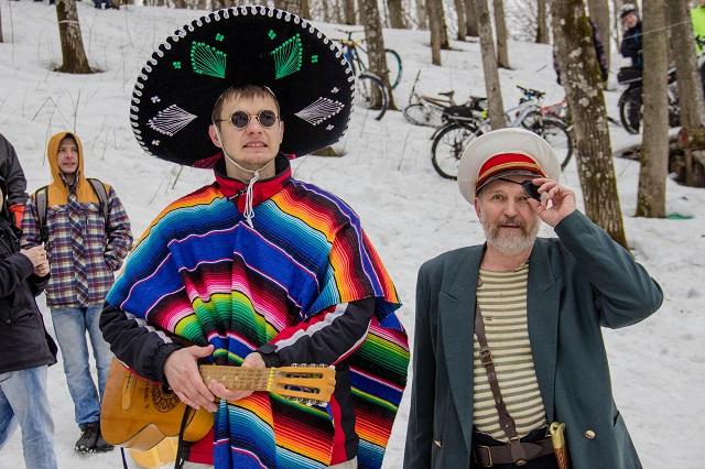 Сын и папа - мексиканец и анархист.