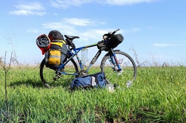 Три года назад молодой человек на велосипеде проехал весь Северный Кавказ, Азербайджан, Армению и Грузию.