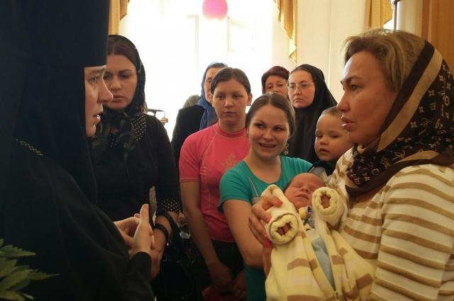 Женщинам прививают православные ценности.