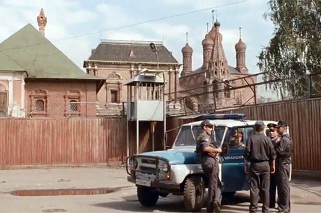 Отделение милиции находится не где-нибудь, а рядышком с Крутицким подворьем.