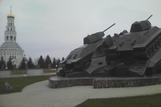 На Прохоровском поле открыли храм-памятник в виде горящей свечи.