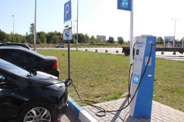 Еще одна новинка АЗС на Пулковском шоссе –терминал для электромобилей.