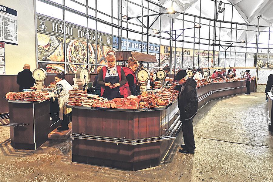 Торговую площадку рынка «Юбилейный» в Старом Осколе модернизировали для удобства покупателей.