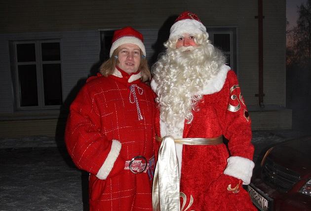 Дед Мороз с помощником - Морозцем.