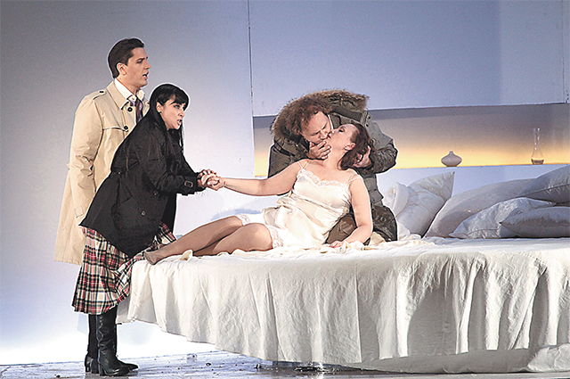 Скандальная опера Руслан и Людмила шокировала публику изобилием раздетых актрис