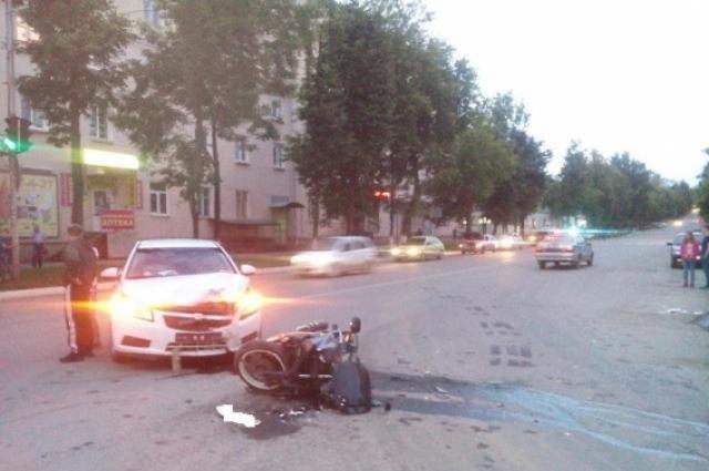 В результате столкновения травмы получил 29-летний водитель мотоцикла Honda CBR.
