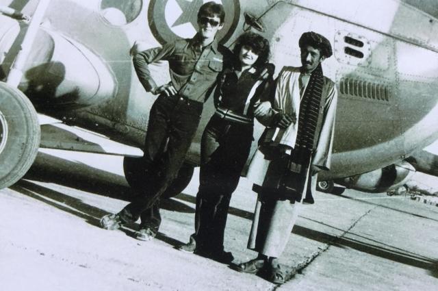 В аэропорту Кабула, 1983 год. Роман Курбанов - крайний слева.