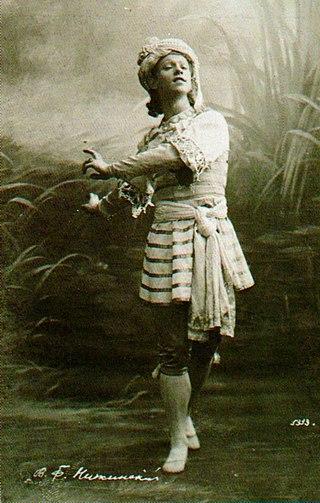 Вацлав Нижинский в роли Ваю в обновленной Николаем Легатом постановке балета «Талисман» Мариуса Петипа, Санкт-Петербург, 1910.