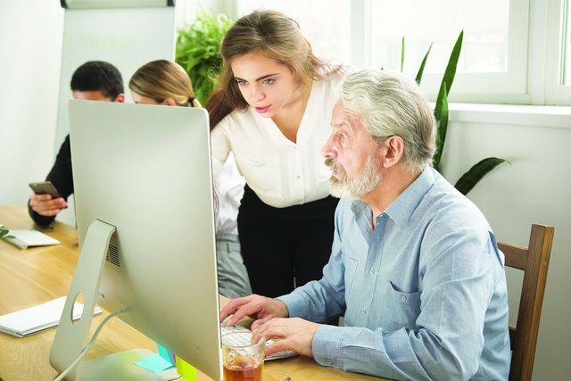 В Омске для пенсионеров разработаны курсы компьютерной грамотности.