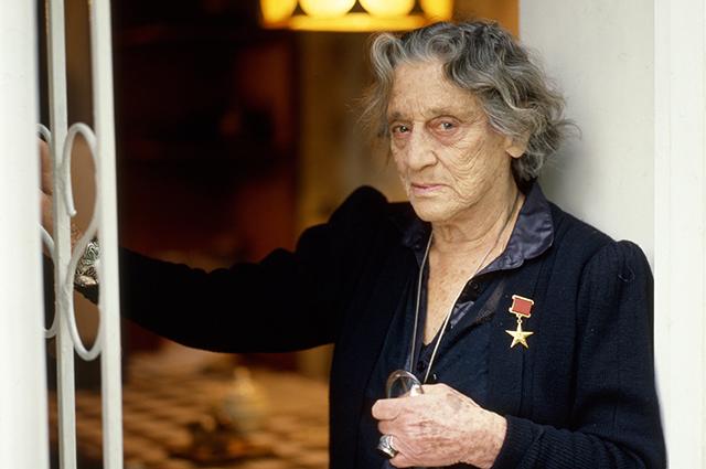 Мать Софико Чиаурели Верико Анджапаридзе.