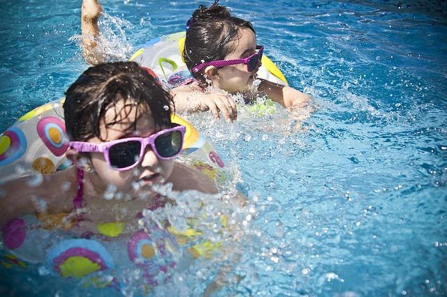 бассейн, дети, солнечные очки, купаются