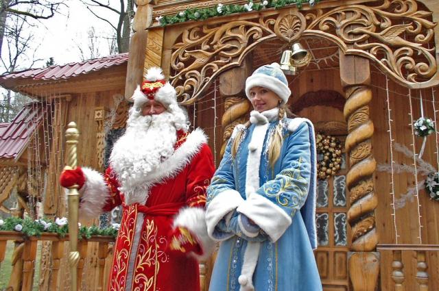 В Деда мороза верят все, и даже взрослые.