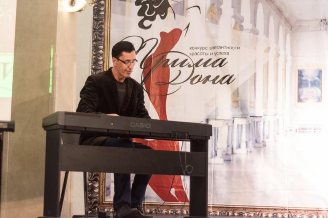Владимир Муран: пианино – моё хобби. В «бывшей жизни» я учился в консерватории имени  Рахманинова.
