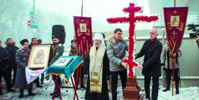 Закладка камня надвратного храма 4 ноября в праздник Казанской иконы Божией Матери.