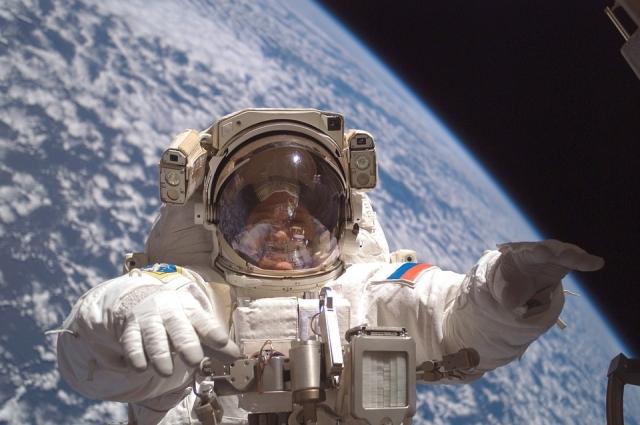 Сегодня мальчишки уже не мечтаю стать космонавтами.