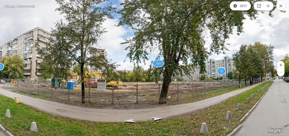 Сейчас на месте будущей школы находится пустырь