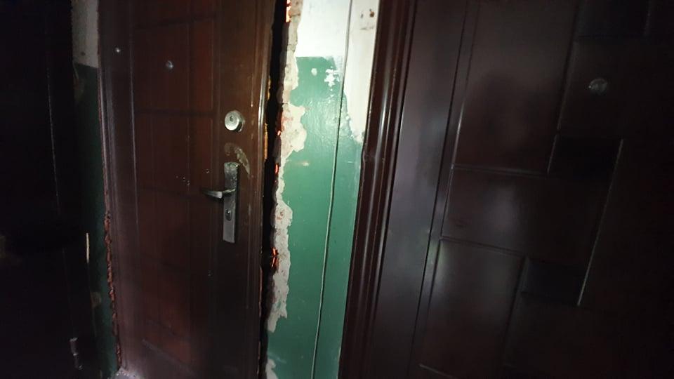 Болков пытался отстреливаться через дверь